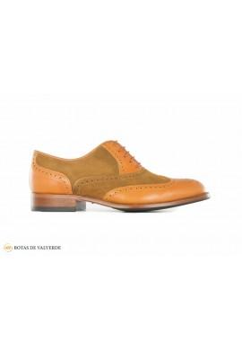 Zapato de caza calado